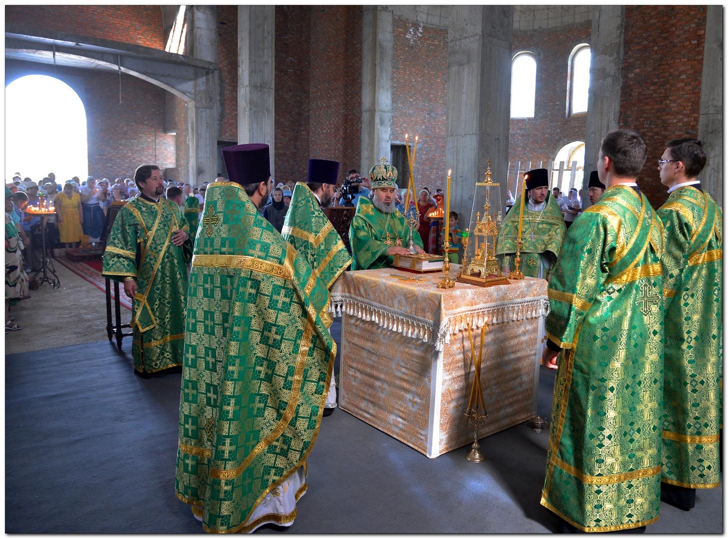Первая Божественная литургия в храме святых Петра и Февронии в городе-герое Новороссийске